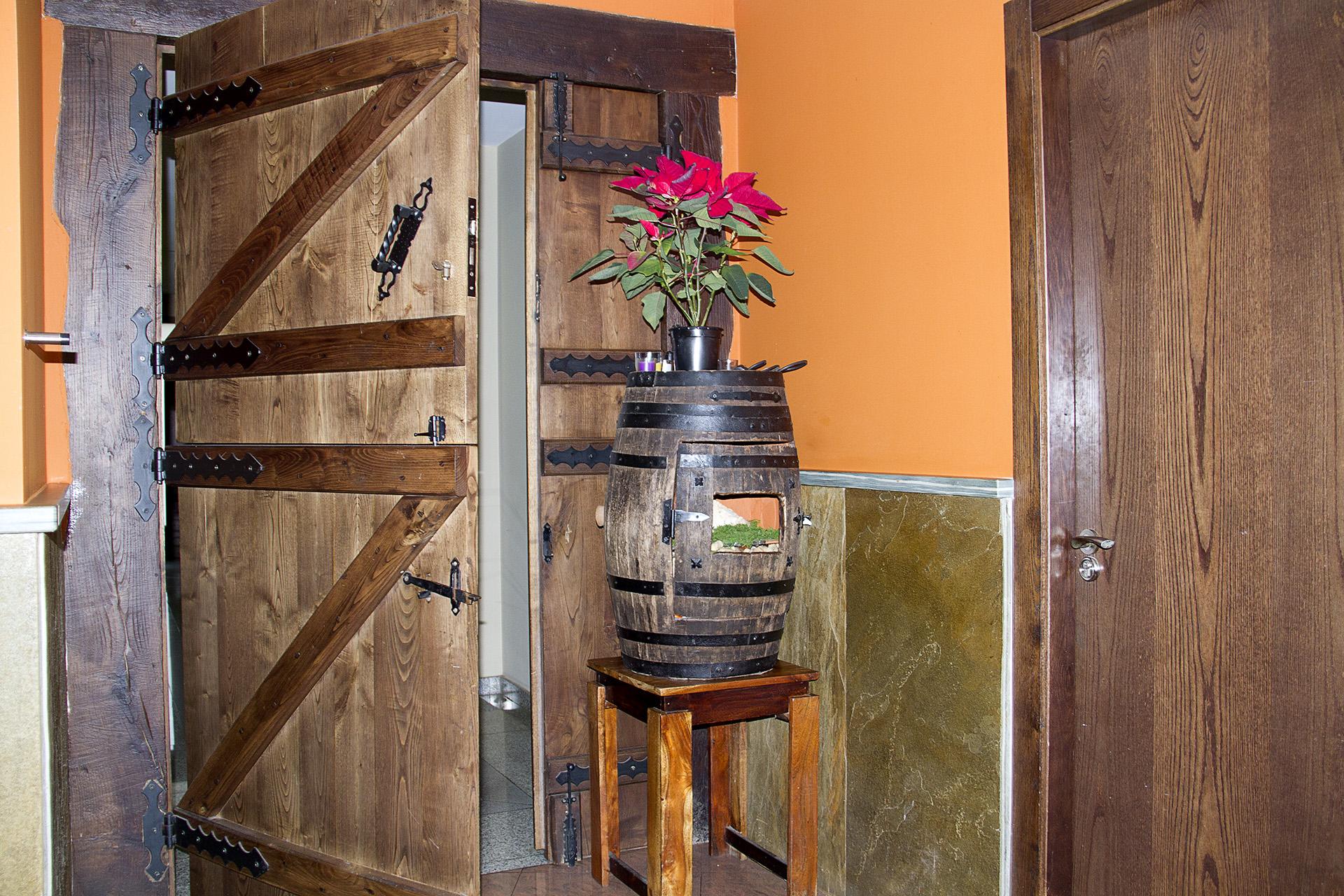 Detalle barril en pensión-restaurante Casa Goás en Abadín